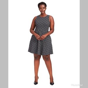 Leota Ava Dress in Geo Jacquard Sleeveless size 24